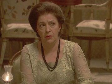 """Francisca, a Raimundo:""""Ese tal Roberto no me ha hecho ninguna gracia"""""""