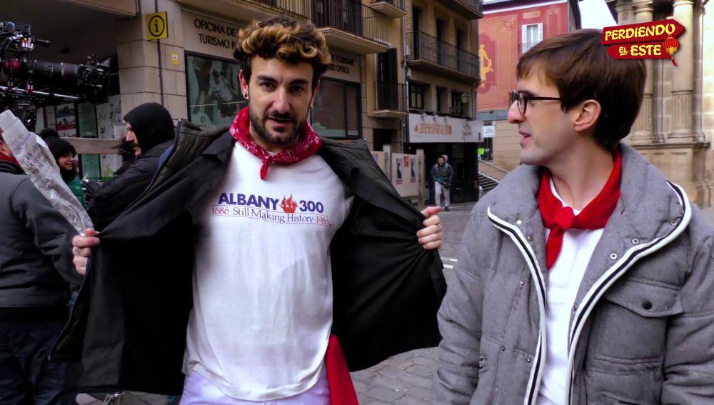 Miki Esparbé y Julián López en el rodaje de 'Perdiendo el Este'