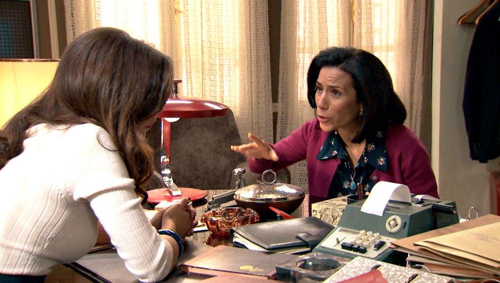 Manolita, angustiada por la relación de Luisita con Amelia