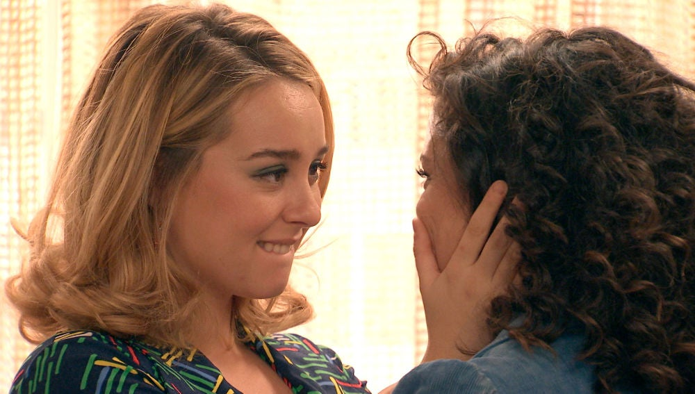 """Luisita, tras hacer el amor con Amelia: """"Nunca hubiese imaginado que mi primera vez sería tan bonito y con una mujer"""""""