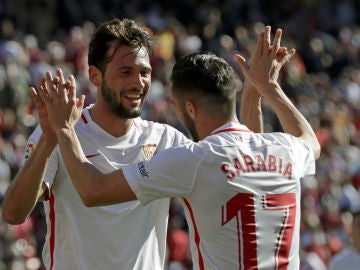 Sarabia celebra un gol del Sevilla