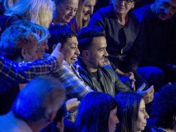Vídeo: Luis Fonsi busca el consuelo del público