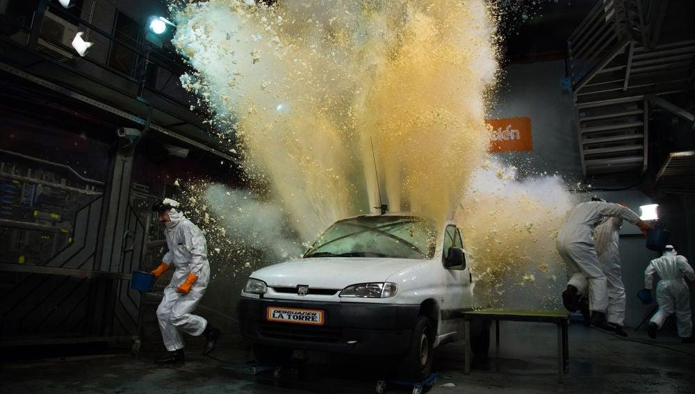 Marron convierte el plató de 'El Hormiguero 3.0' en una fiesta de la espuma dentro de un coche