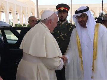 Primera vista de un pontífice a la península Arábiga