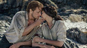 Sam Heughan y Caitriona Balfe en 'Outlander'