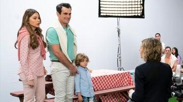 Modern Family - Temporada 10 - Capítulo 13: Whanex?