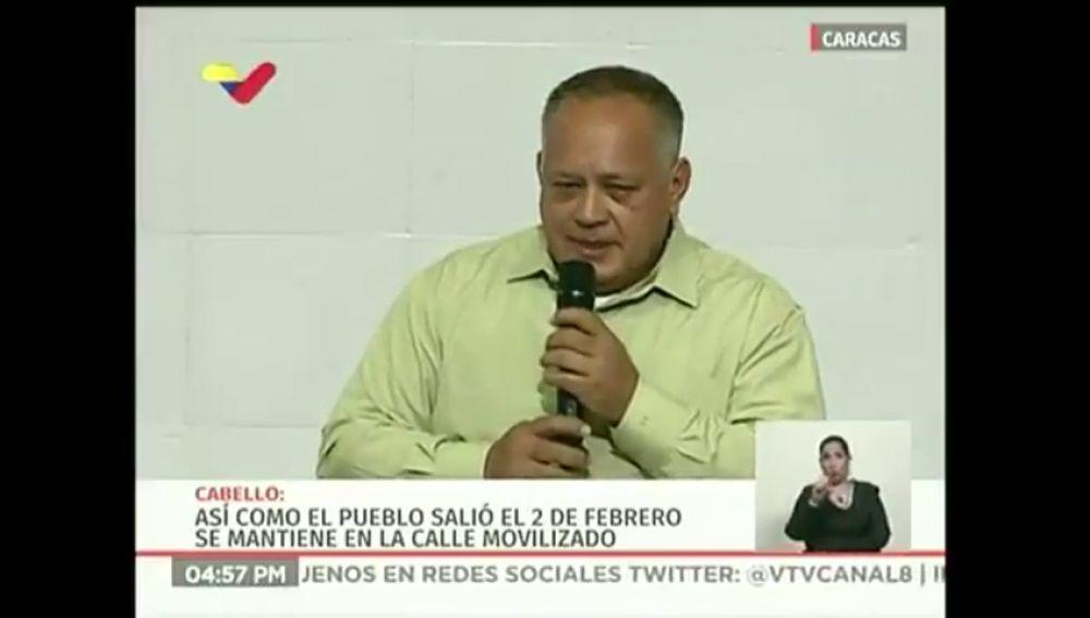 El gobierno de Maduro advierte que está dispuesto a tomar fusiles para defender Venezuela