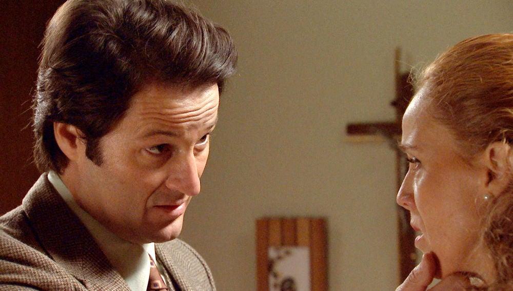 """Gabriel, acosa a Natalia: """"Seguiré vigilándote hasta que entres en razón"""""""