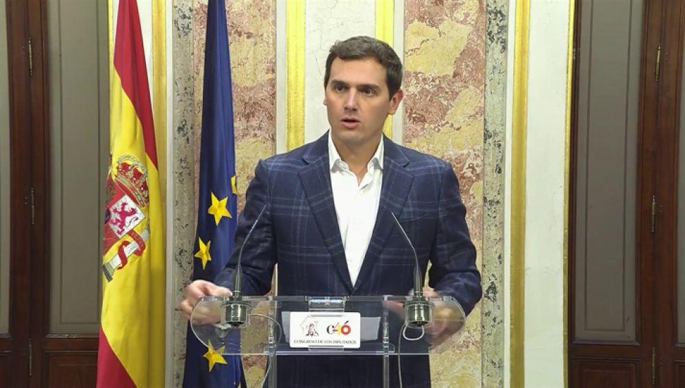 """RIVERA """"HOy ha perdido Sanchez y ha ganado España por pactar con..."""""""