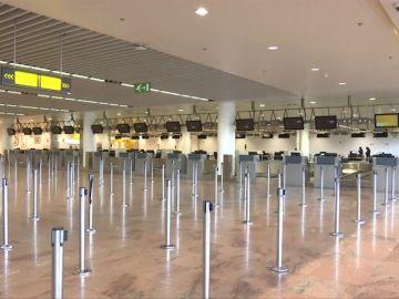 El cierre del espacio aéreo belga por la huelga general afectará a más de 400 vuelos y 50.000 pasajeros