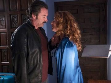 Pascual advierte a Almudena sobre Don Julio
