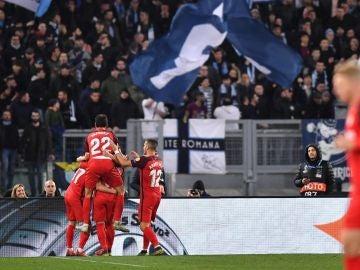 Los jugadores del Sevilla celebran el gol de Ben Yedder en el Olímpico
