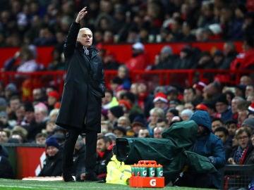 José Mourinho, en la banda de Old Trafford