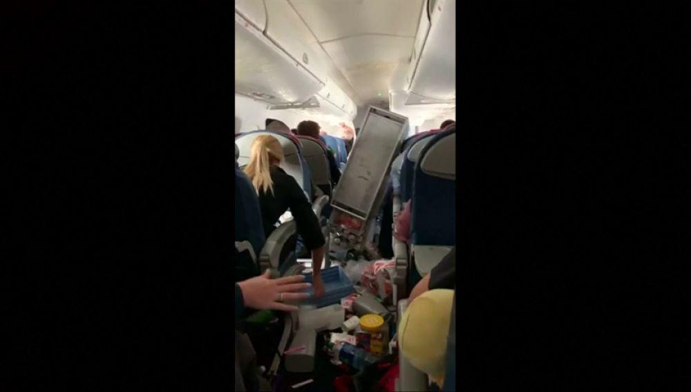 Varios heridos por las fuertes turbulencias en un vuelo California-Seattle