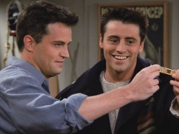 Chandler y Joey en 'Friends'