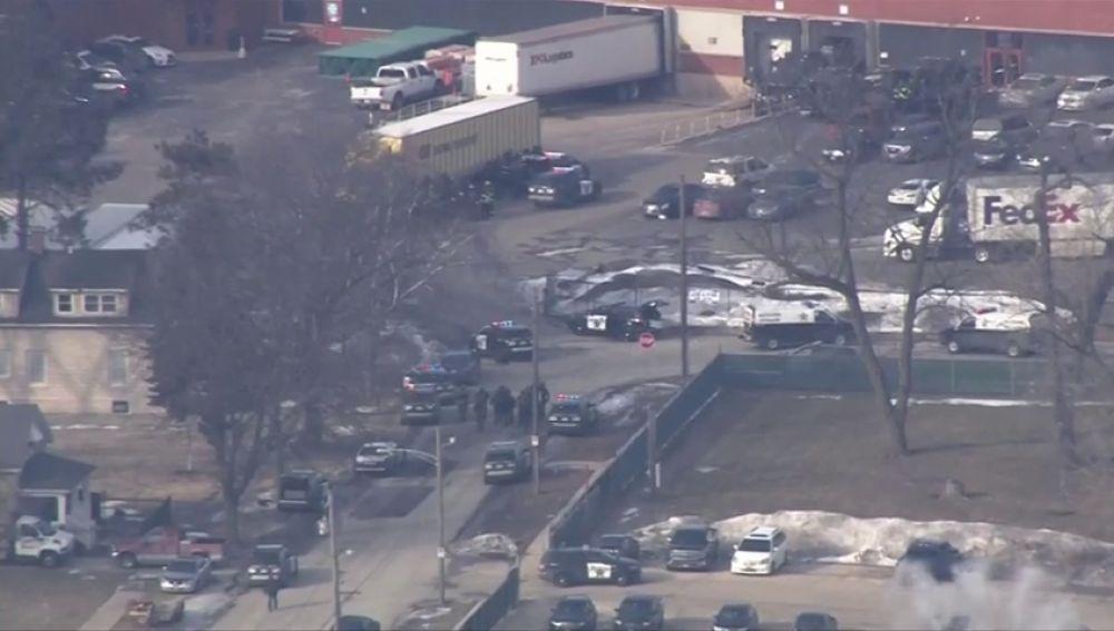 Varios agentes resultan heridos en un tiroteo en Illinois
