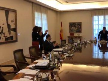 Así recibieron los ministros a Pedro Sánchez tras la convocatoria de elecciones