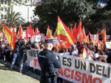 Unos  4.000 ciudadanos chinos se manifiestan en Madrid contra el BBVA