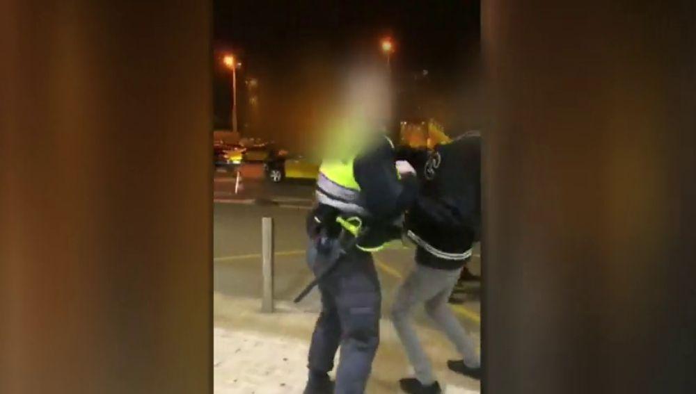 REEMPLAZO Denuncian un nuevo caso de racismo en Renfe: Un guardia de seguridad empuja a un pasajero negro al pedirle su documentación