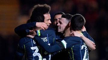 Los jugadores del Manchester celebran un gol