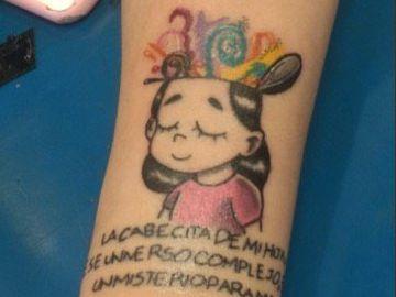 Dibujo del tatuaje del cómic 'Habla María' sobre el autismo