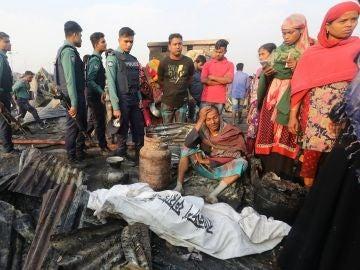 Un incendio deja al menos ocho muertos en Bangladesh