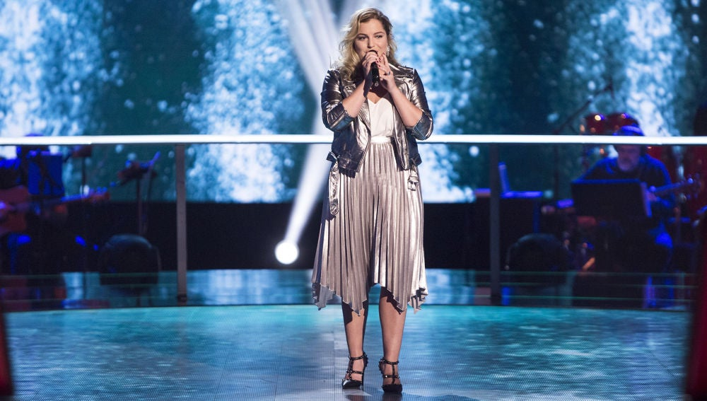 Apryl Scemama canta 'Toi et moi'  en los Asaltos de 'La Voz'