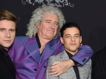 Allen Leech, Brian May y Rami Malek en la premiere de 'Bohemian Rhapsody'