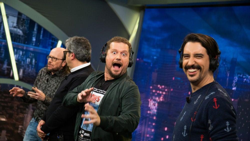 Santiago Segura y Florentino Fernández muestran su faceta de imitadores en el teléfono escacharrado de Carlos Latre