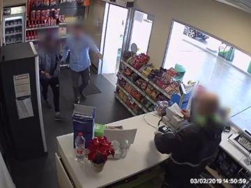 Un guardia civil fuera de servicio evita un posible atraco en una gasolinera en Valencia