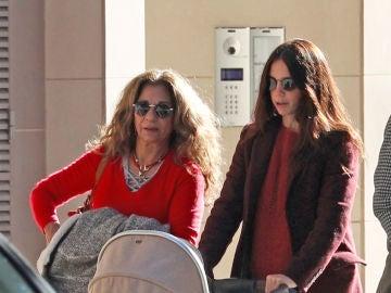 Lolita Flores y su hija Elena Furiase
