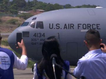 Cúcuta, la ciudad colombiana fronteriza, se acopia de un tercer avión con ayuda humanitaria para Venezuela sin saber cómo se entregará