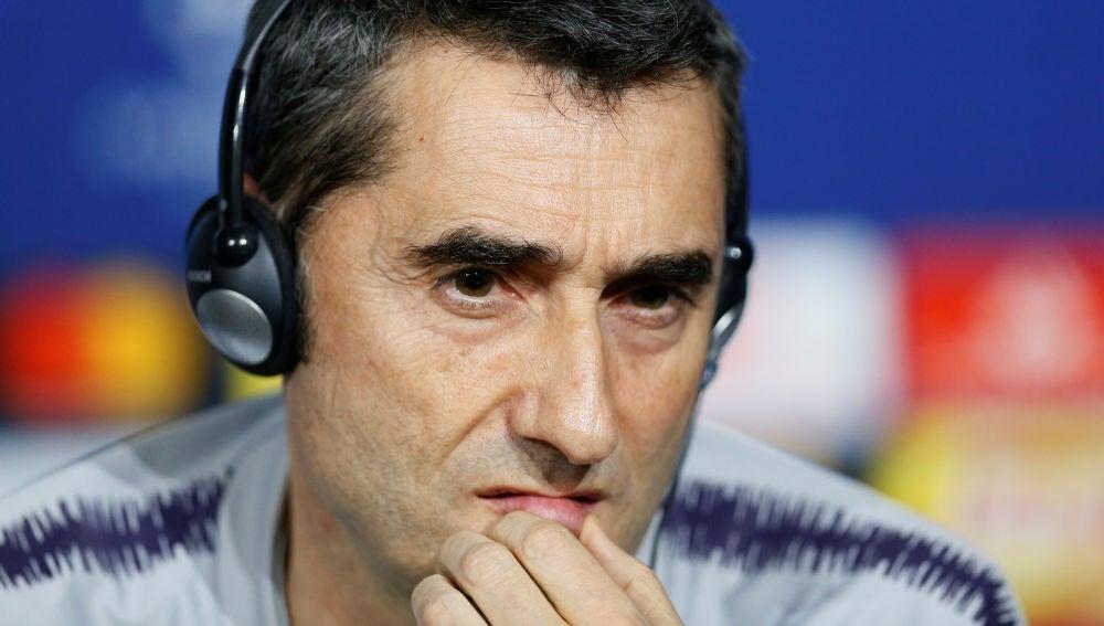 Ernesto Valverde, en rueda de prensa en Lyon