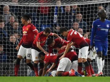 Paul Pogba celebra su gol ante el Chelsea