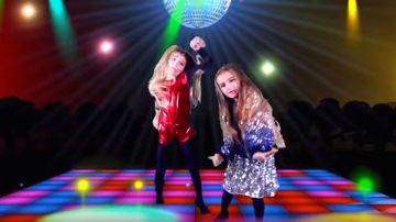 Fotograma del vídeo 'Las Ratitas se maquillan y se van a la disco a bailar'.
