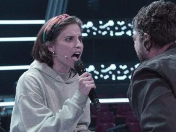Antonio Orozco intenta poner nerviosa a Teresa Ferrer durante los ensayos del Asalto de 'La Voz'