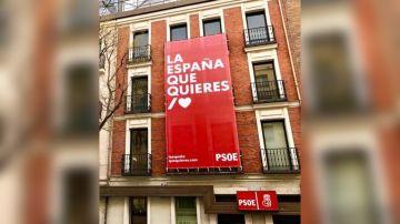 La fachada de la sede del PSOE