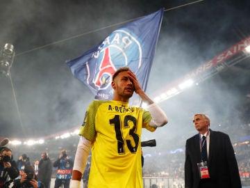 Neymar, con la camiseta del portero del Liverpool Alisson Becker