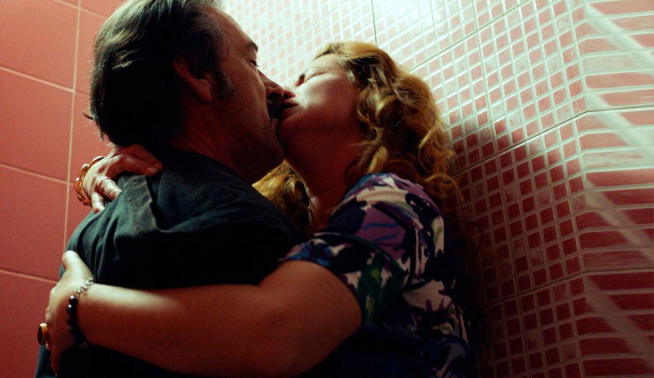 SUPER - Sexo, pasión y desenfreno entre Almudena y Pascual