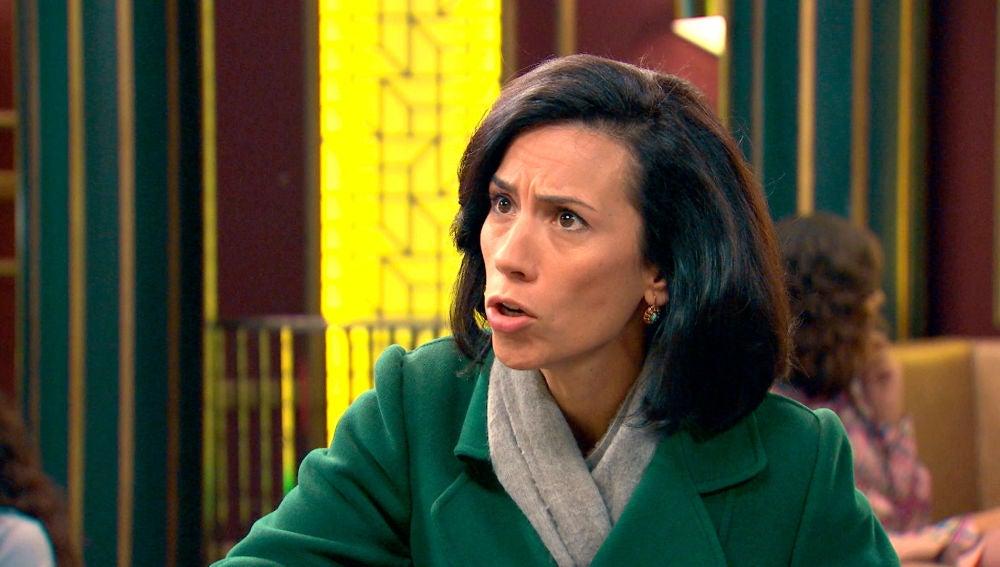 Manolita, enfada, se muerde la lengua con Marcelino por darle libertad a Luisita