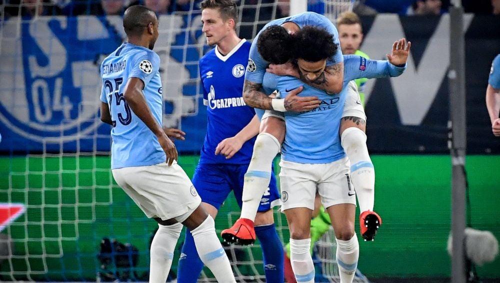 Leroy Sané, tras anotar su gol ante el Schalke