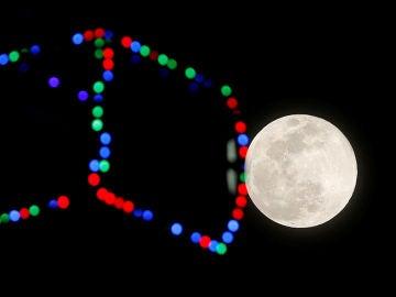 La Superluna vista desde Málaga
