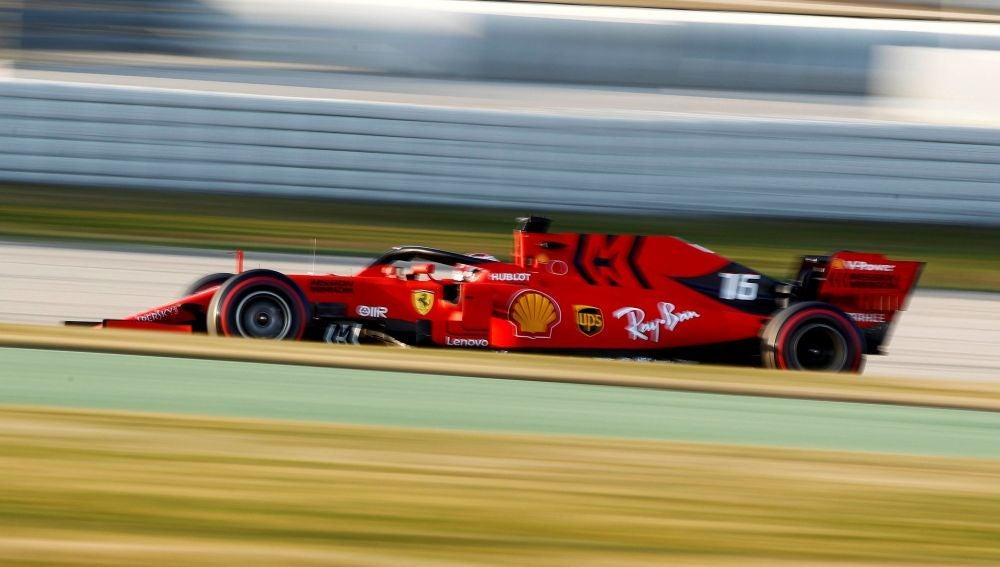 Leclerc, a bordo de su Ferrari