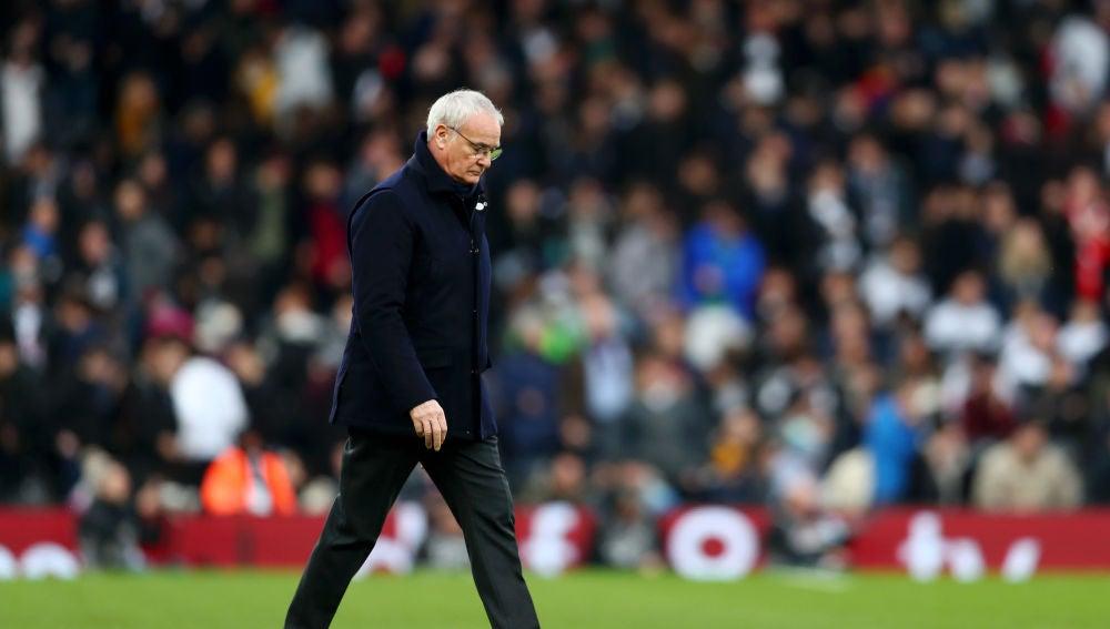 Claudio Ranieri cabizbajo tras un partido del Fulham