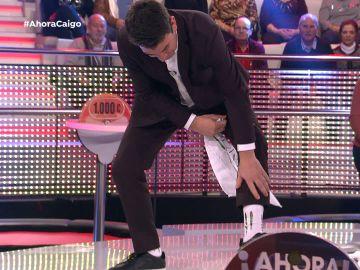 Vídeo: Arturo Valls, listo para irse a freír espárragos con sus calcetines