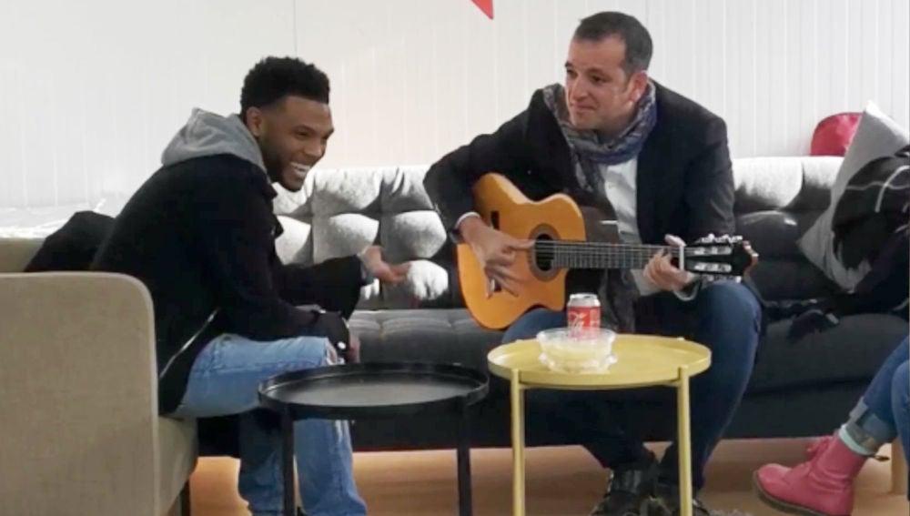 La estupenda improvisación de Marcelino Damion y Javi Moya en 'La Voz'