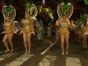 Santa Cruz de Tenerife se prepara para el Carnaval en la calle