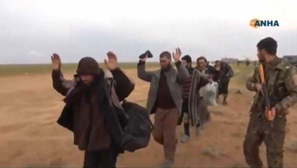Las fuerzas kurdas inician el asalto al último bastión del Estado Islámico