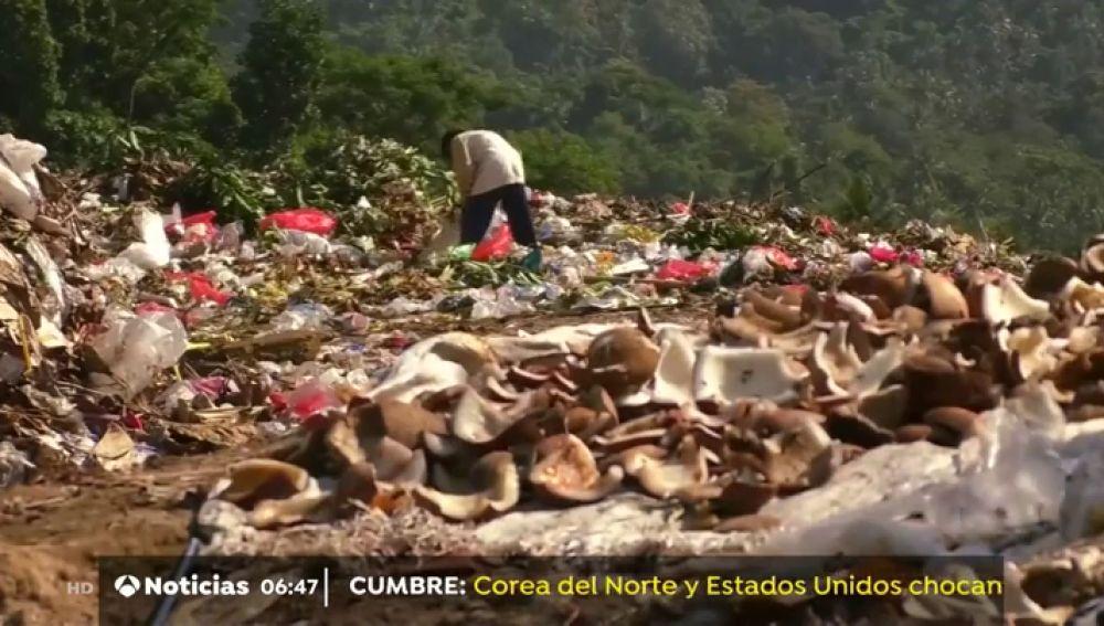 Malasia se convierte en el vertedero del plástico que no quiere EEUU o Japón