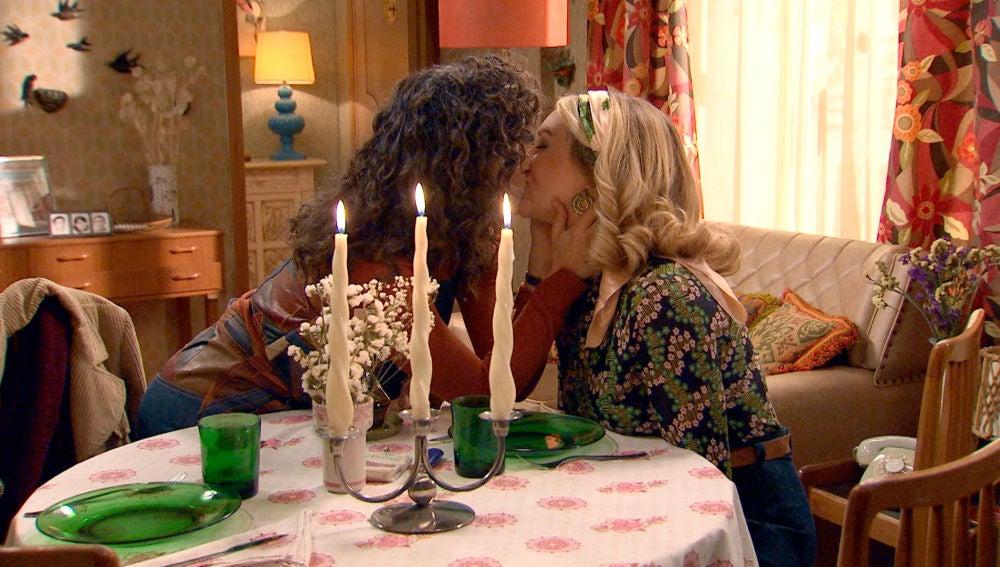 Luisita y Amelia por fin solas en su propia casa